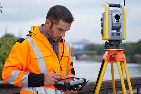 Топографическая съемка – предназначена для определения границ участка, проверки красных линий, перепадов и нанесения инженерных сетей